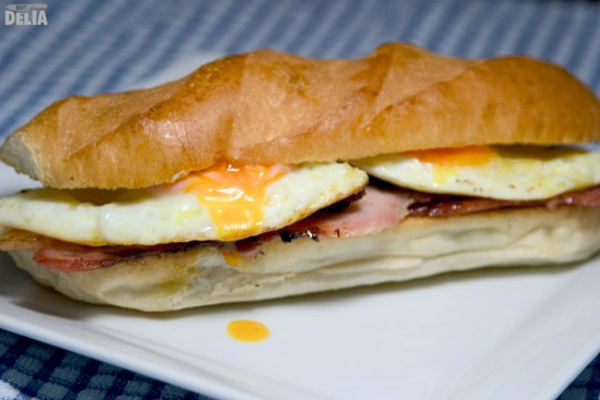 bacon and egg sarnie